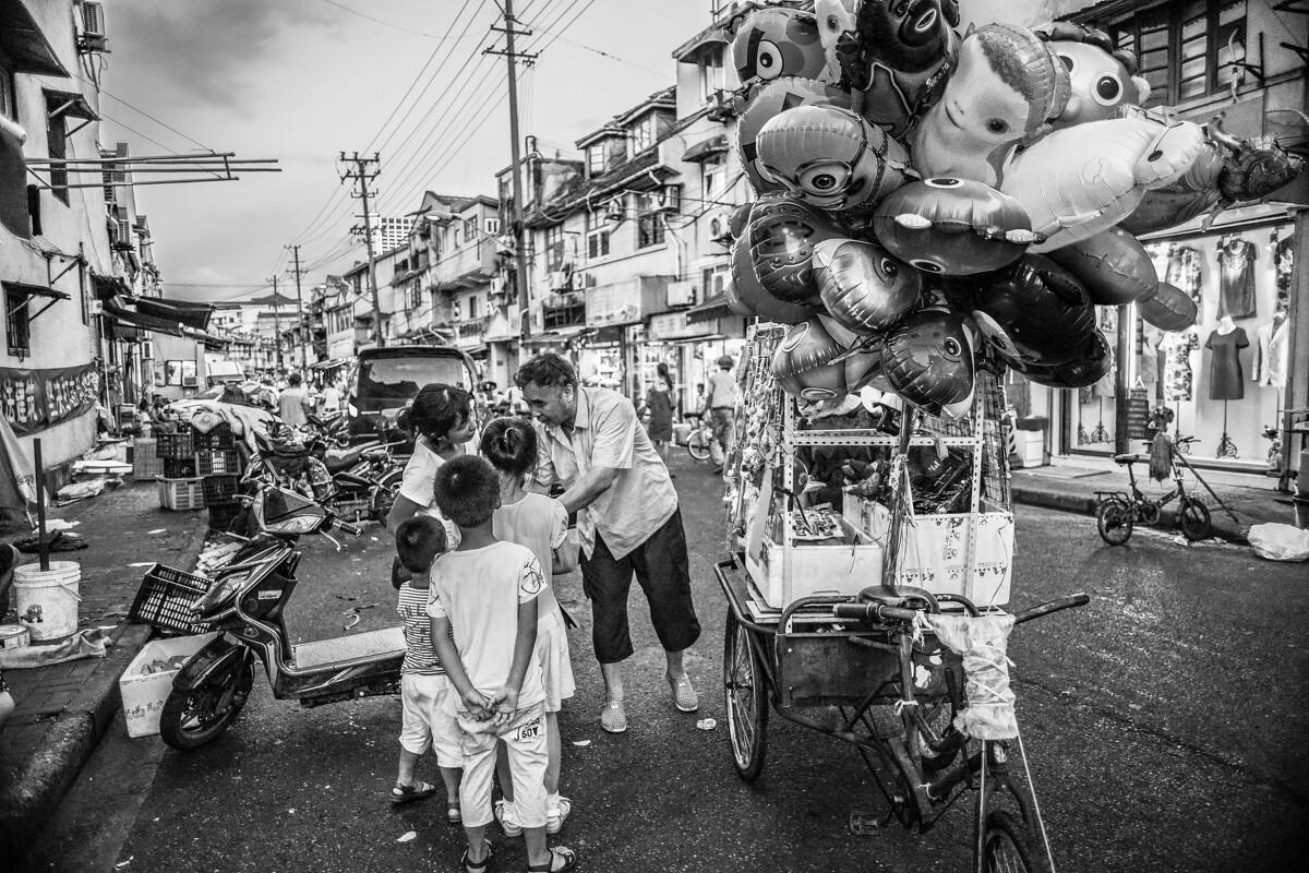 卖气球的小贩