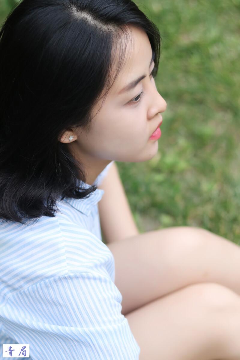 #情怀头像总是诗#吓人的那天没有阳光没有风少女qq遇见的女生图片