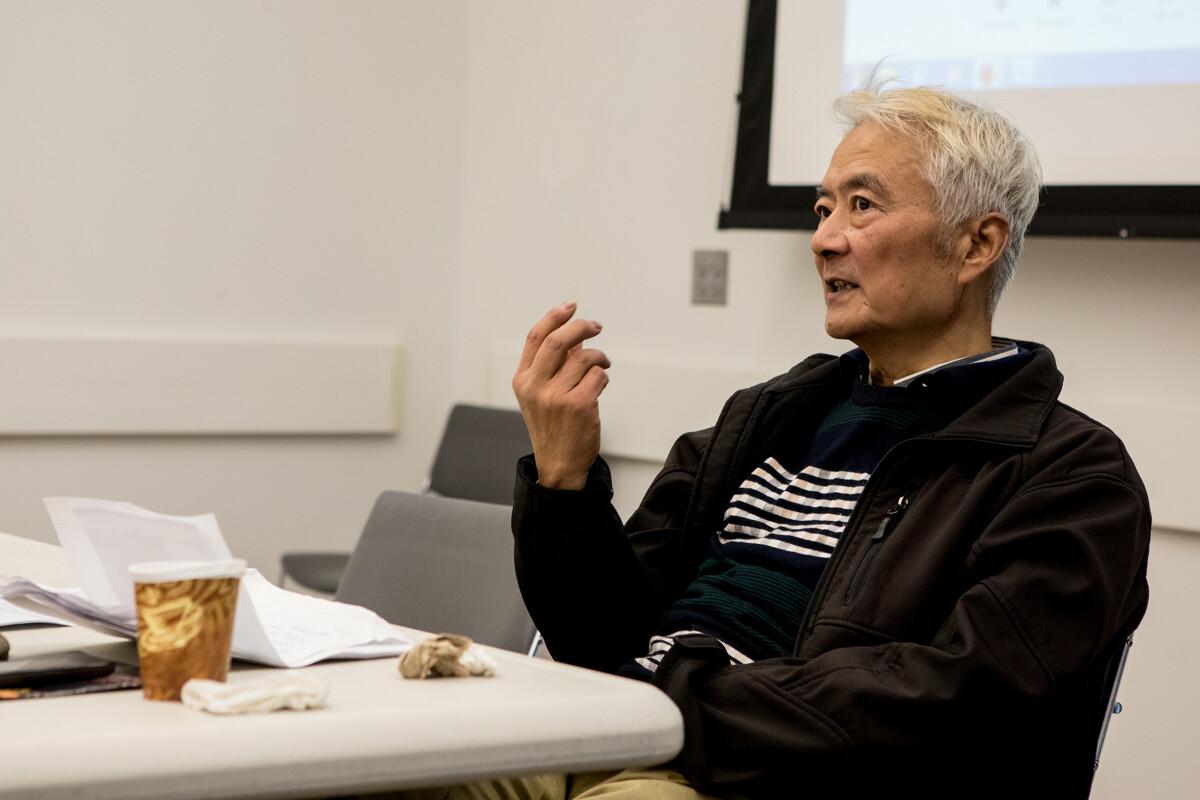 《含泪活着》纪录片主人公了不起的知青丁尚彪先生也参加了讲座.