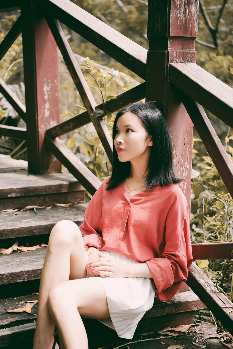 深圳约拍# #个人写真# 既不回头,何必不忘.既然无缘
