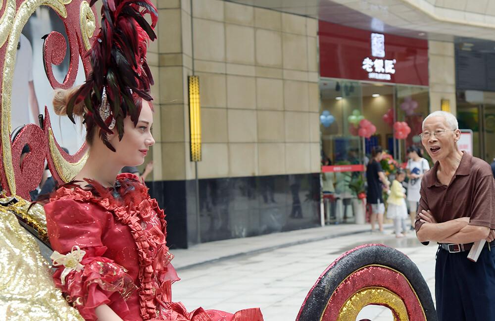 看美女-纪实,湖北北京,街拍襄阳六月赛-行拍美女图片中国街2016图片