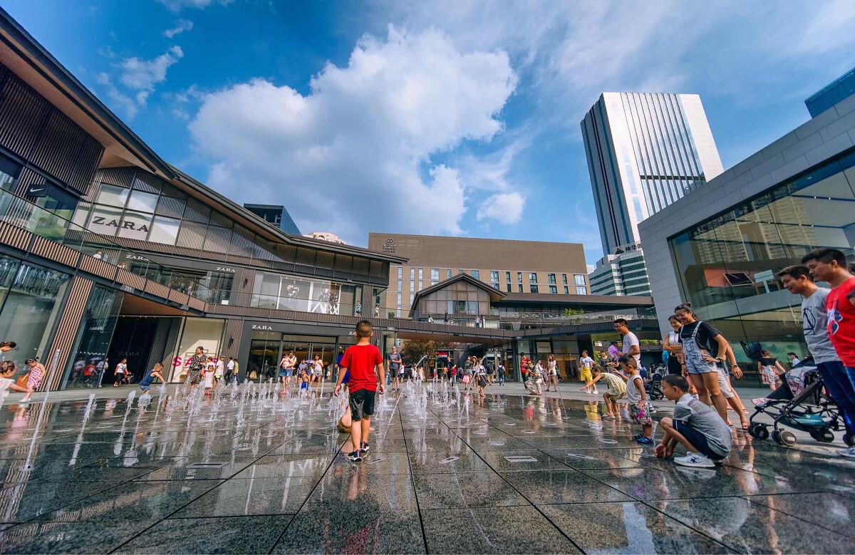 成都喷泉太古里远洋大师广告设计广场有图片