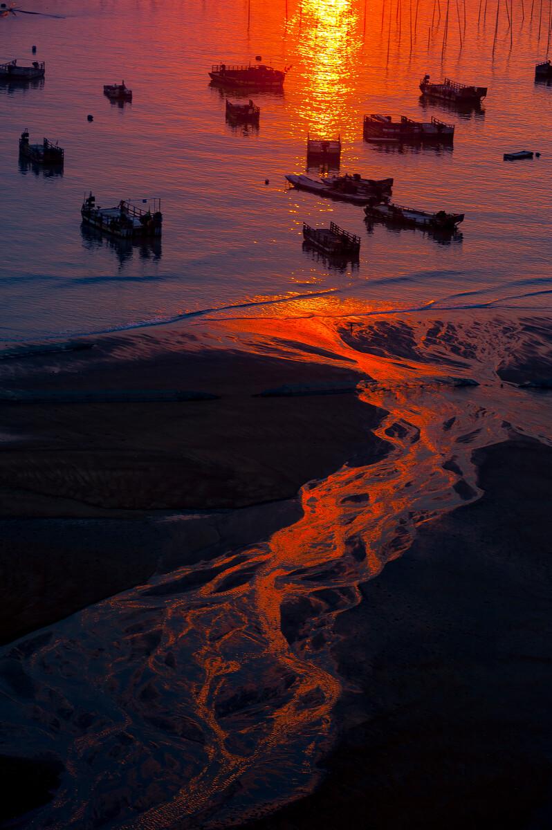 爱尚霞浦_爱尚霞浦-夕阳下的滩涂
