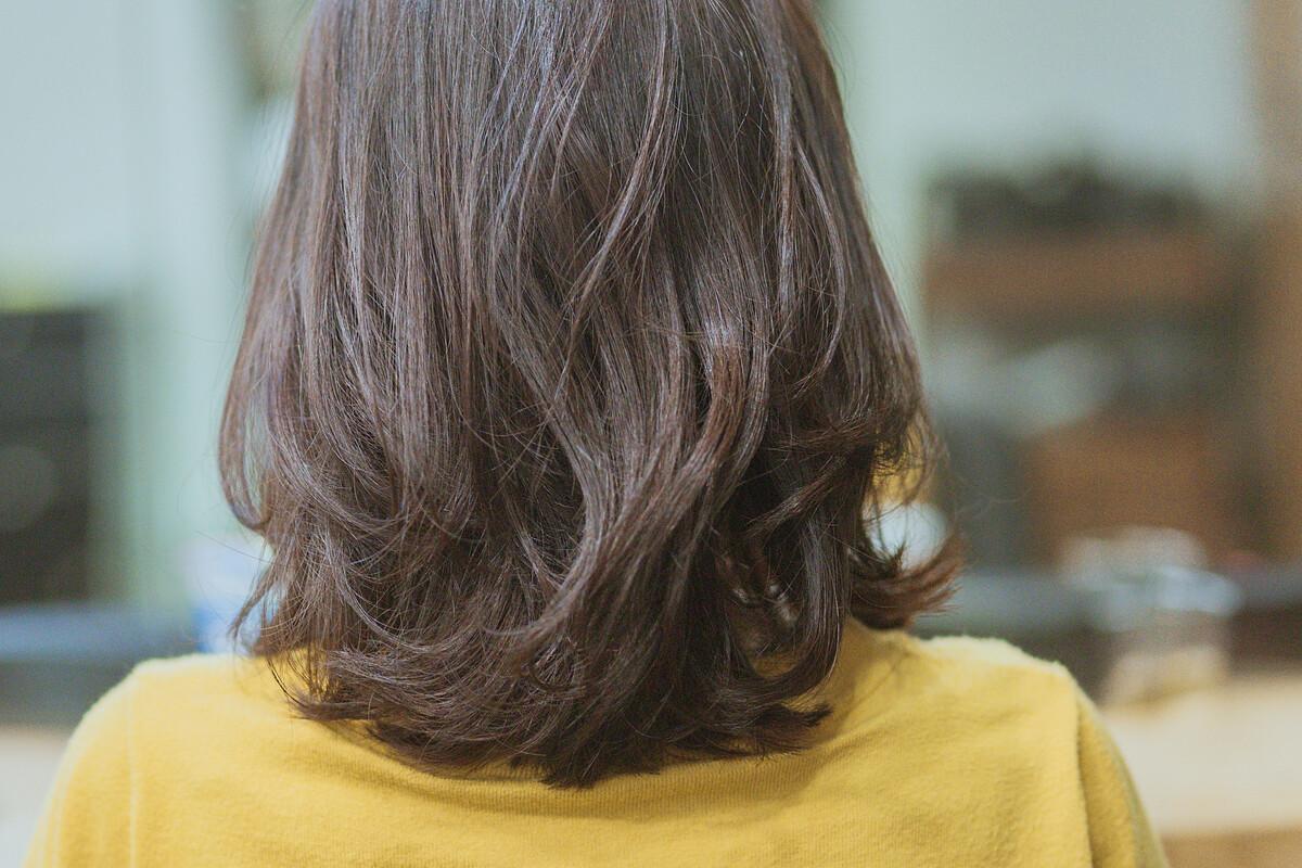 纹理烫发蜜棕发色图片