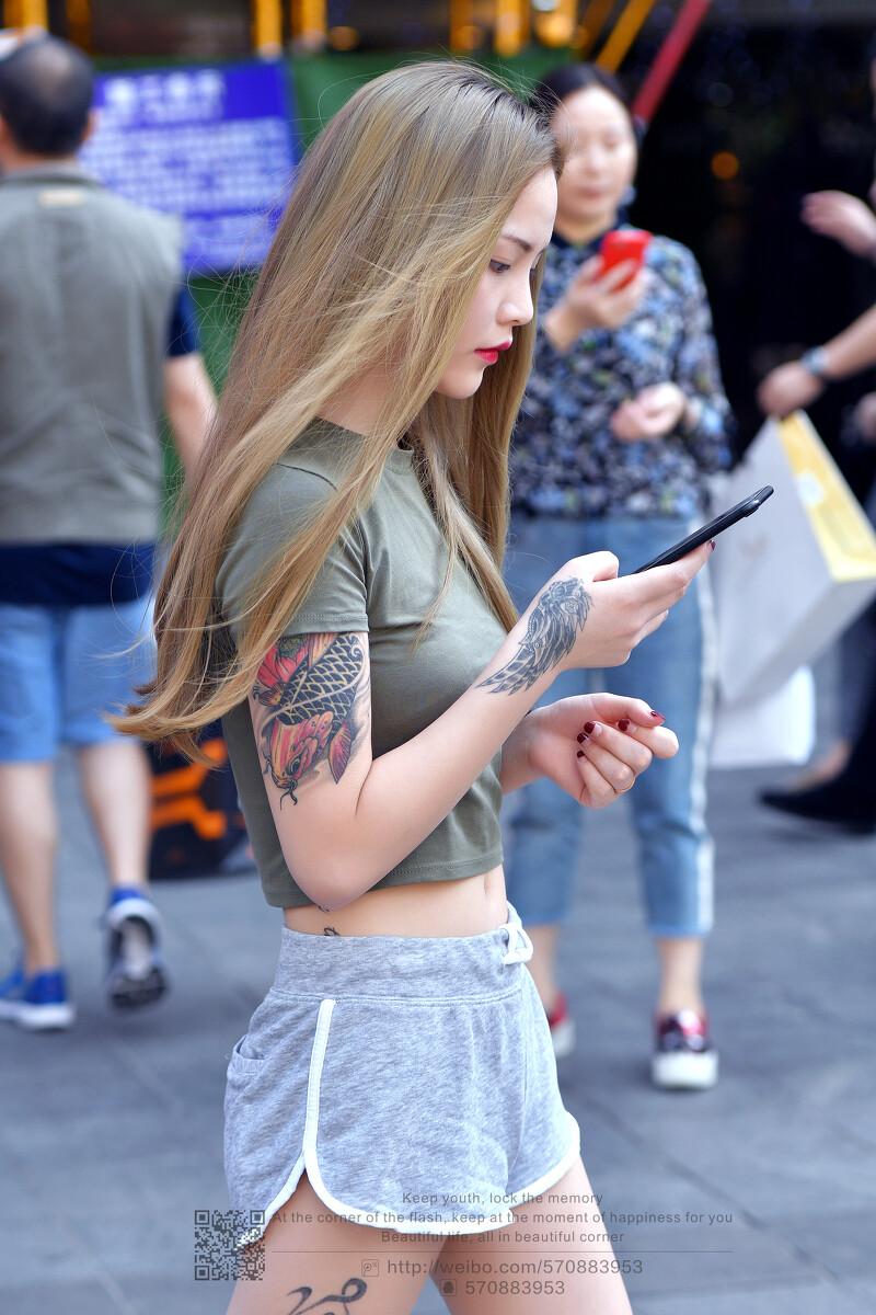 纹身大姐大_不用修图,第一眼有种大姐大的赶脚.