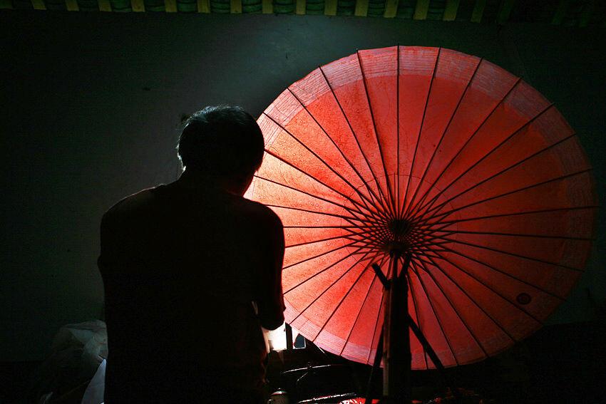 泸州油纸伞厂_分水油纸伞3 br /> 摄于泸州分水伞厂