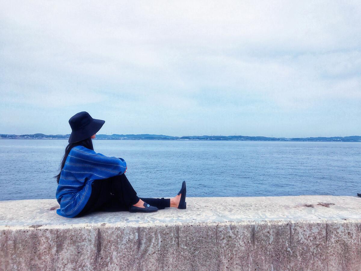 一個人吃飯 一個人攝影 一個人看海 后期:美圖+ins圖片