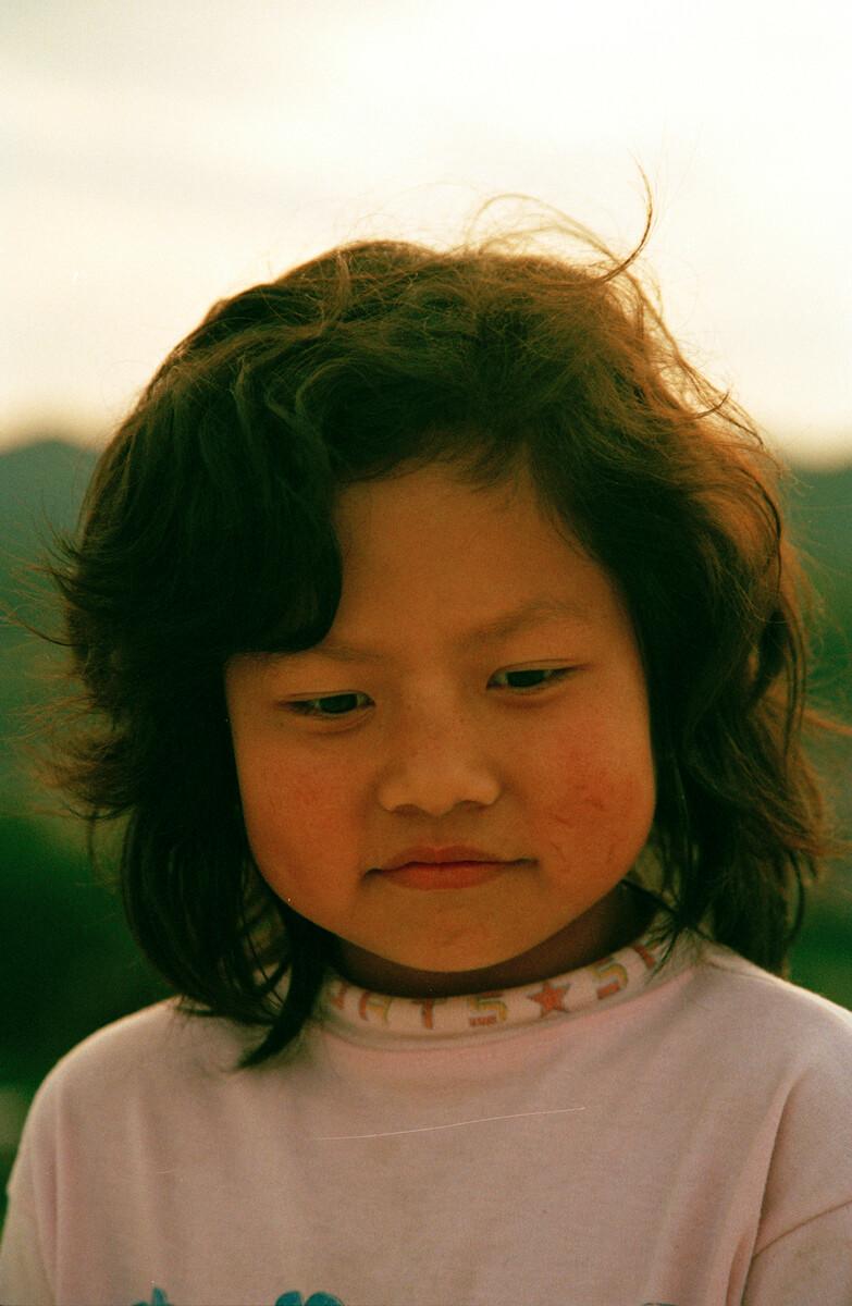 2016年,村里的孩子,佳能EOS3+50/3.5,柯达135负片。