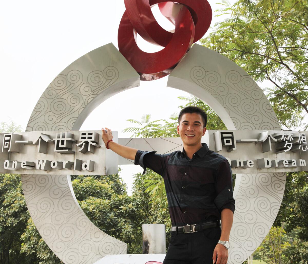 2013年,在郑州做传销的同村人,佳能5D2+24-105/4。
