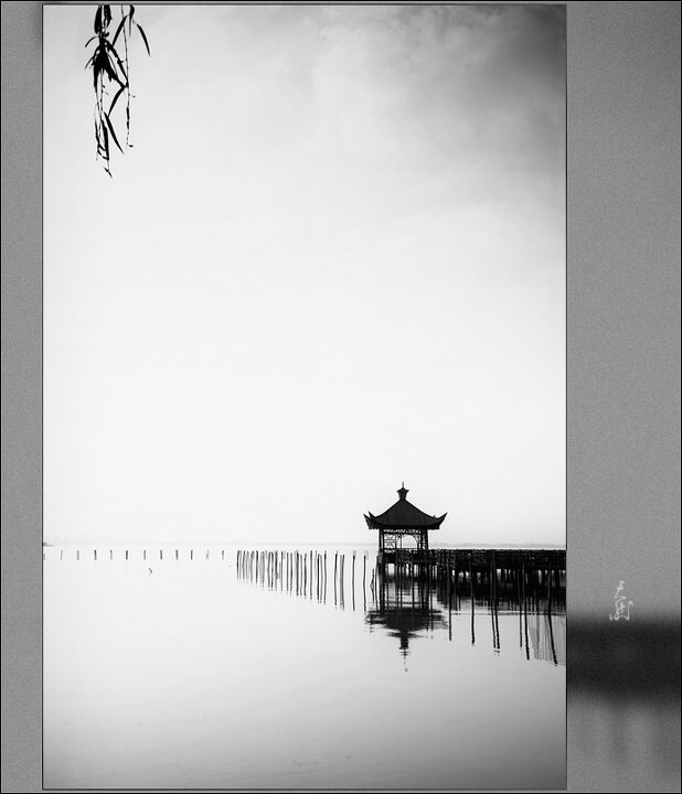 "亭<a href=""http://tuchong.com/1032057/"" target=""_blank"">@湖</a> 黑白<br />"