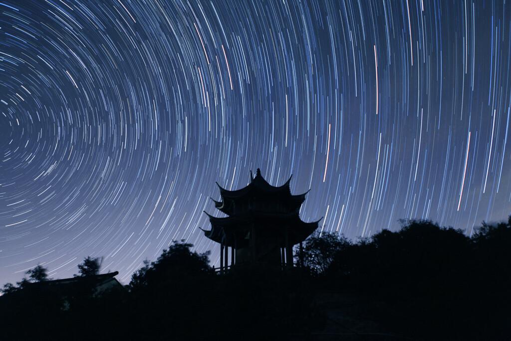《望星空》图片