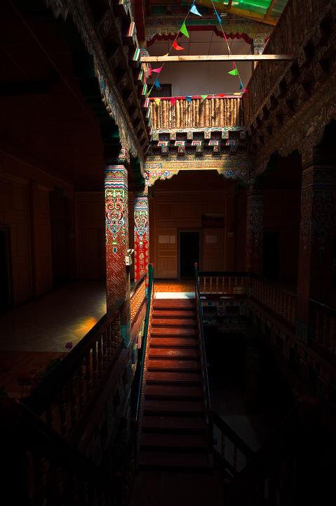 藏寨民居 br /> 藏区藏族民居室内装饰图片