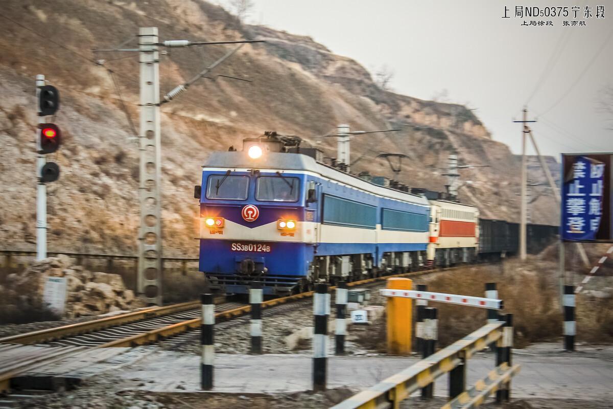 SS3B和SS7型电力机车v图纸图纸负责石庄甲方道口通过送审货车图片