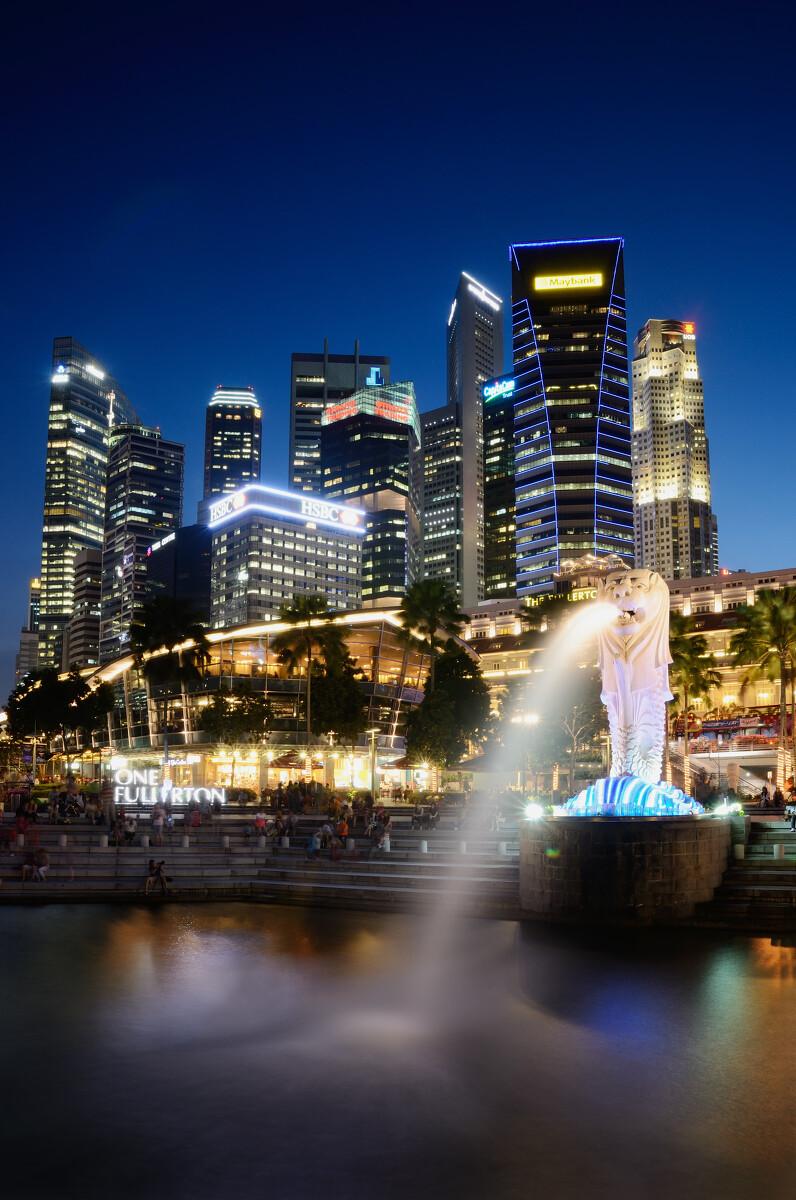 新加坡鱼尾狮夜景