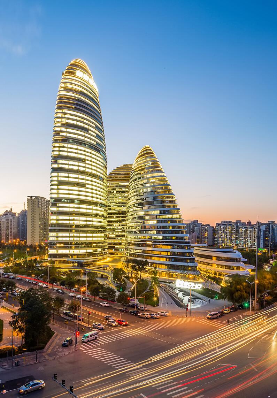 东南角,国风北京。窗户,不好支架子,必须把架子伸出窗外,不然拍不全。