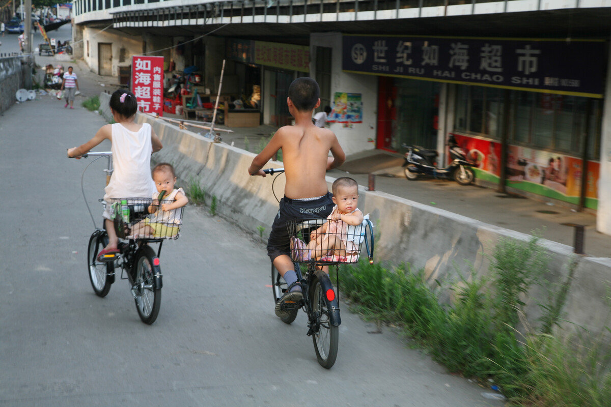 2009年7月19日,无锡通惠中路,摇篮。