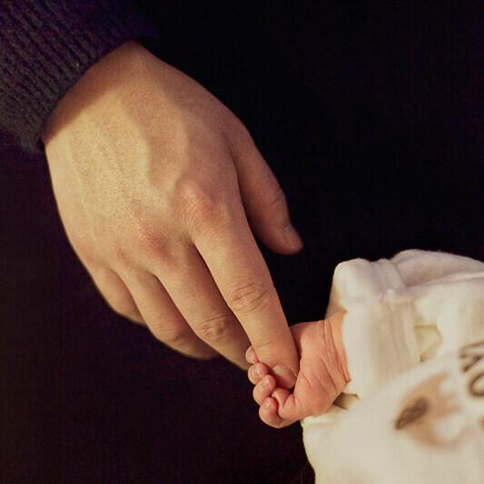 出生第二天的宝宝,真的好小好可爱啊~