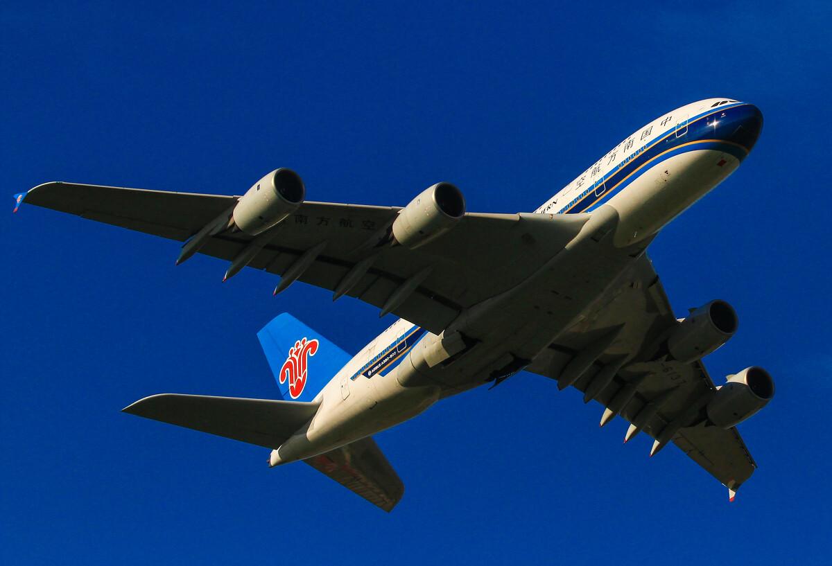 a380飞机图片_空中客车a380,飞机中的巨无霸