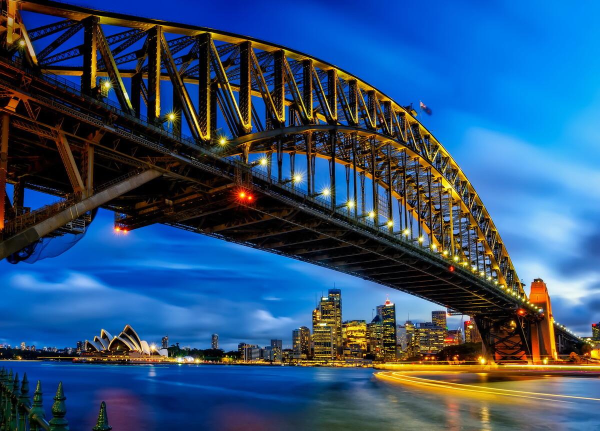 这就是著名的悉尼海港大桥.