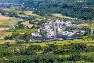 仲夏(種下)一場在鄉村與田野間追逐火車的回憶