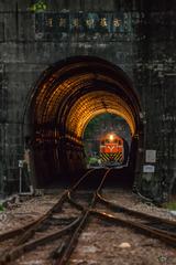 """雲哥說:很多時候 寧可晚到也不要沒到,不然真的會錯過此刻最美的 """"黃金隧道"""""""
