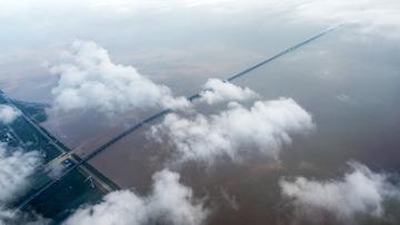 通向天际的桥