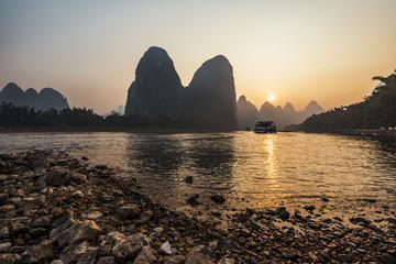 雾霾的漓江日落