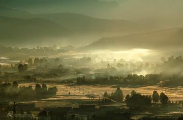 稻城的晨雾