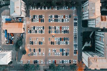 《停车场》