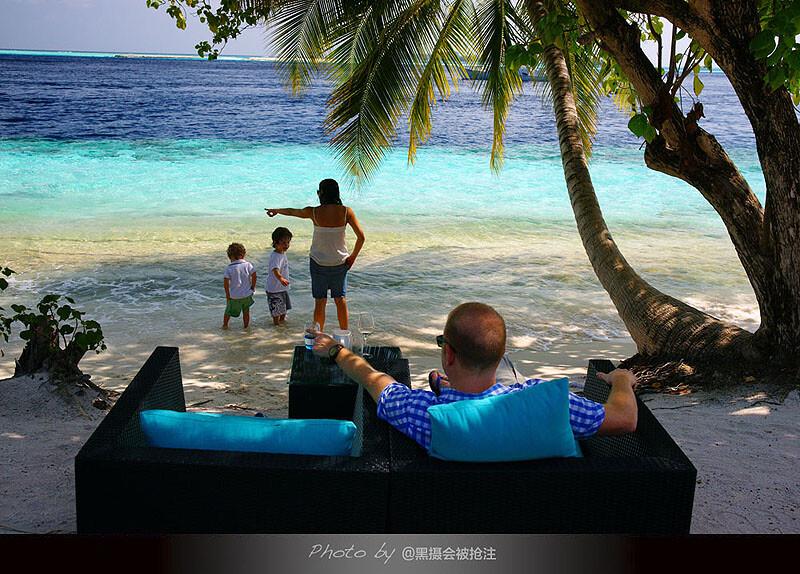 2012年2月9日 马尔代夫 Vilamendhoo<br /> 一家五口的甜蜜生活,有些人的幸福很简单,有些人觉得幸福很难
