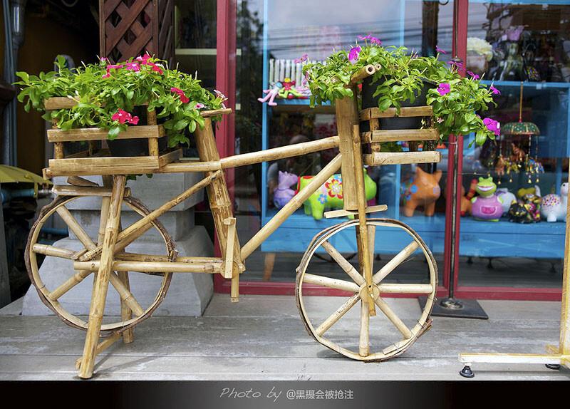 2012年9月27日 清迈<br /> 清迈街头不乏让人眼前一亮,浪漫又清新的风景