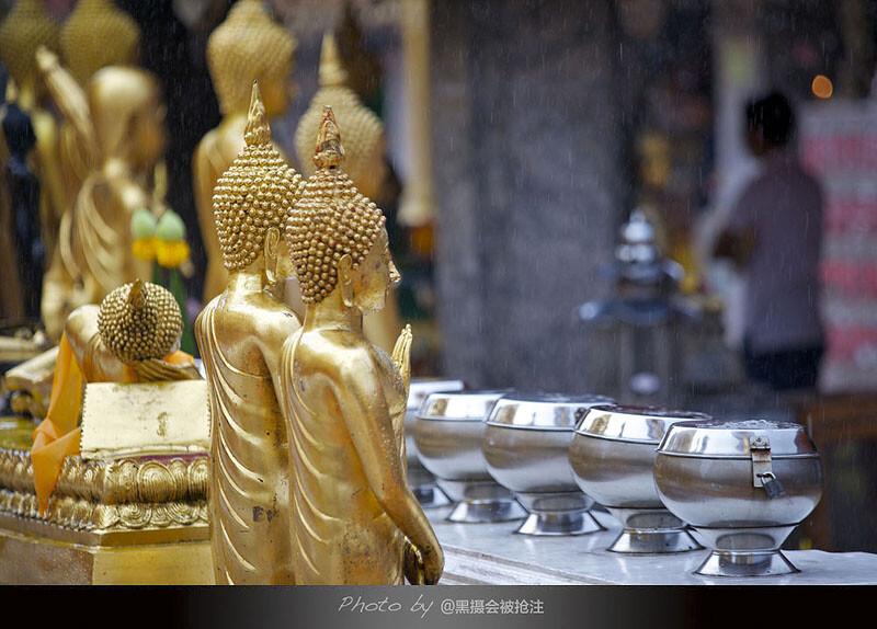 2012年9月29日 清迈 素贴山<br /> 喜欢雨中的素贴寺,更喜欢不期而遇的大雨带来的情怀