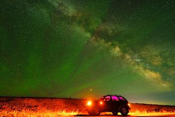 夏季极光与银河的华尔兹