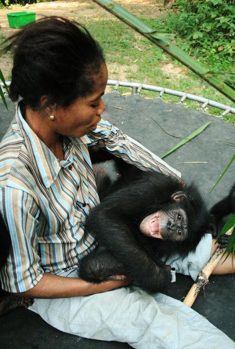 Les Mamas-17 Mama Mathe & Katako@Nursery, Lola, Kinshasa<br /> Katako最喜欢的就是Mama Mathe