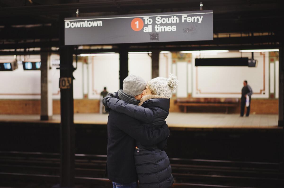 地铁站里,每一个短暂别离都要甜蜜的say bye