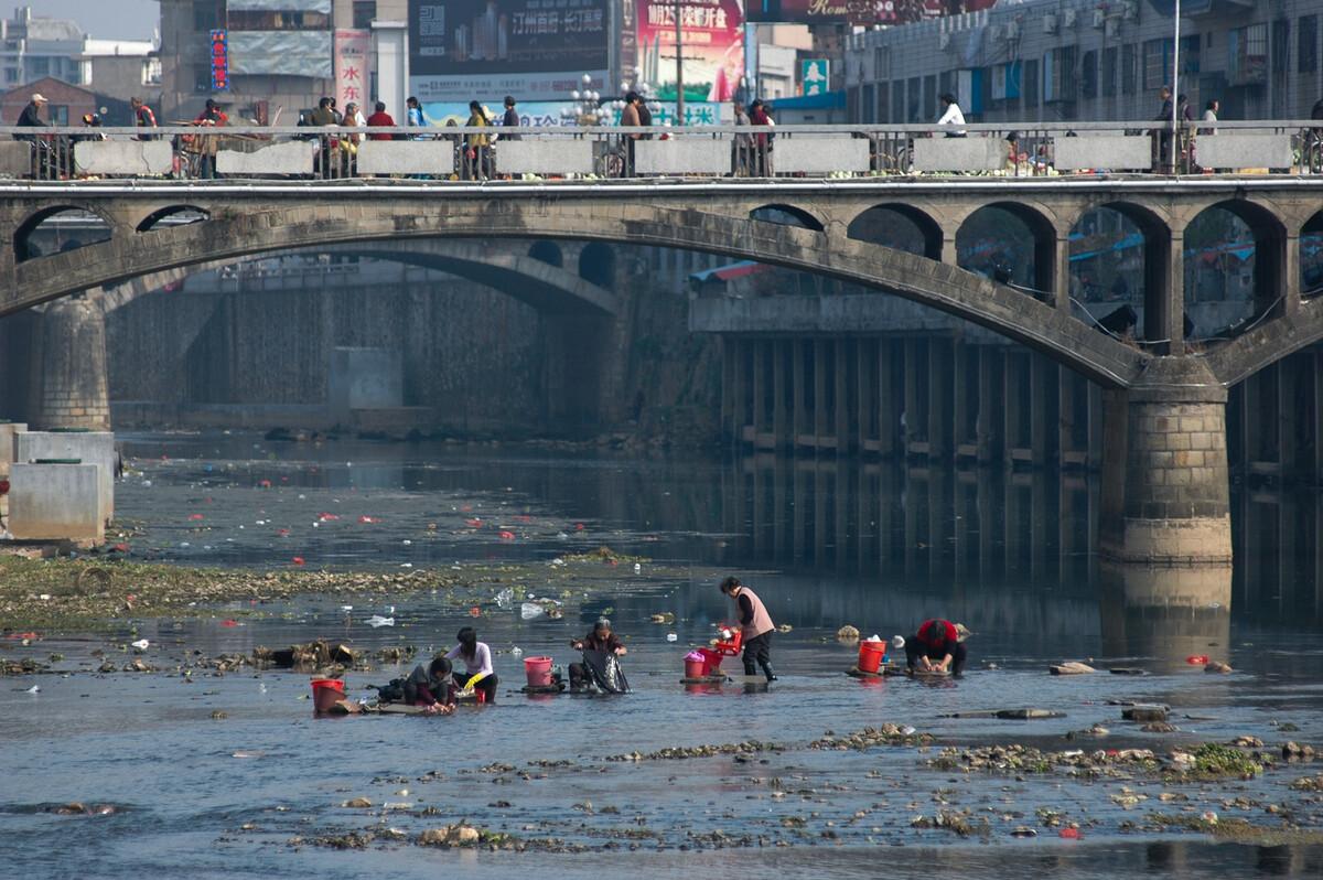 2009年12月1日福建长汀县汀江。