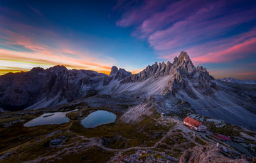 Sunrise in Tre Cime