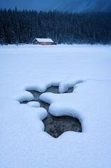冬天的路易斯湖