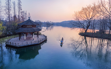 《渔舟唱晨》