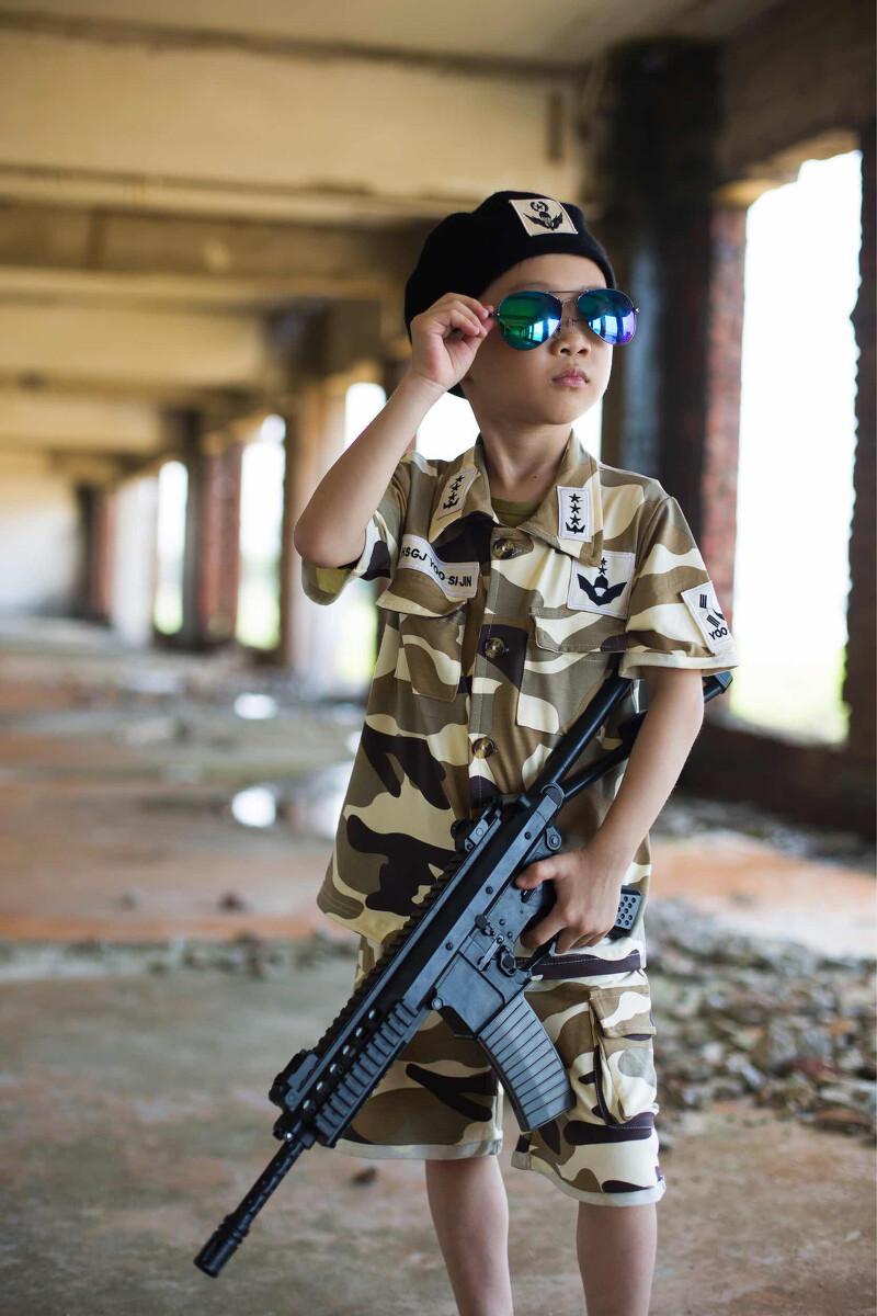 我的梦想是长大当一名军人 - 人像, 儿童, 想穿越