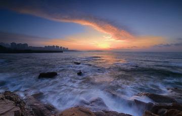 青岛清晨的海