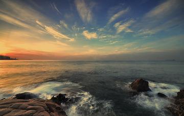 青岛的海边晨色