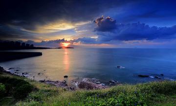 青岛的海边日出