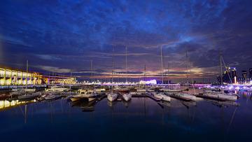 青岛的港湾夜色