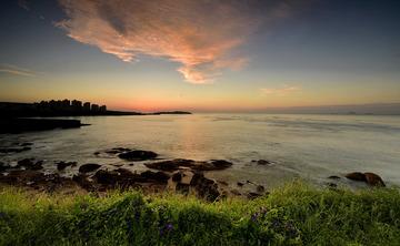 青岛清晨的彩云
