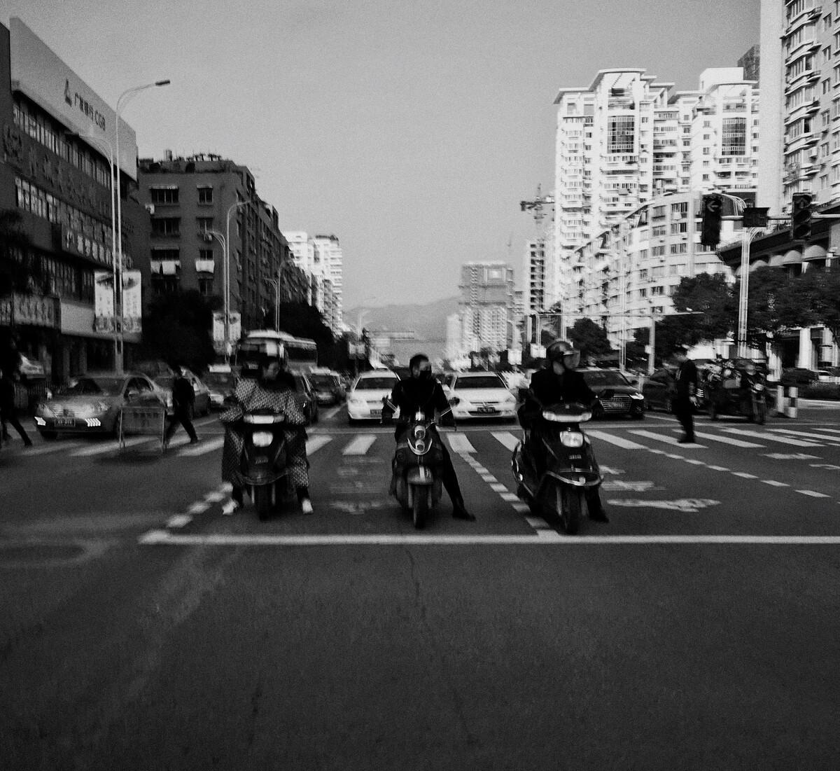 相对静止 - 黑白, 手机, 胖电塔与街头摄影08期