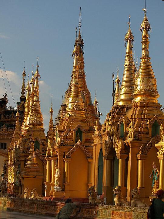 shwedagon pagoda<br />