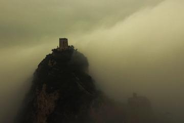 长城    云开雾罩