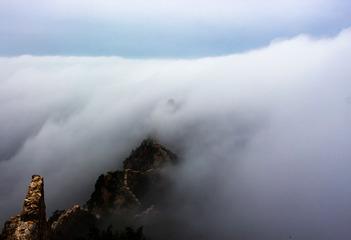 长城    在云雾缭绕中