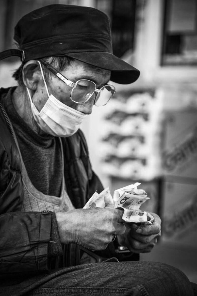 百利宫娱乐场App下载-从代工生产到自主品牌,他创造了韩国吉他在中国发展的神话